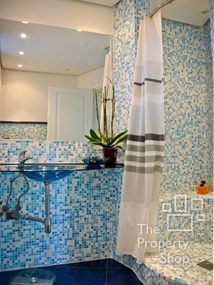 banovo brdo luksuzna ku a prodaja the property shop. Black Bedroom Furniture Sets. Home Design Ideas