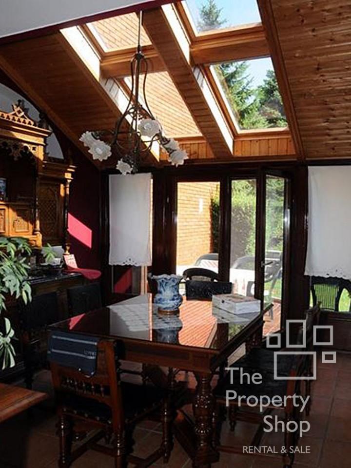 the property shop banovo brdo ko utnjak ku a izdavanje. Black Bedroom Furniture Sets. Home Design Ideas