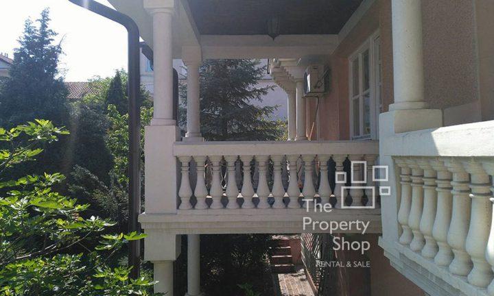 Banovo brdo house rent